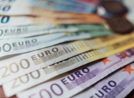 EU Elections: Euro Struggles to Maintain Steady Increase