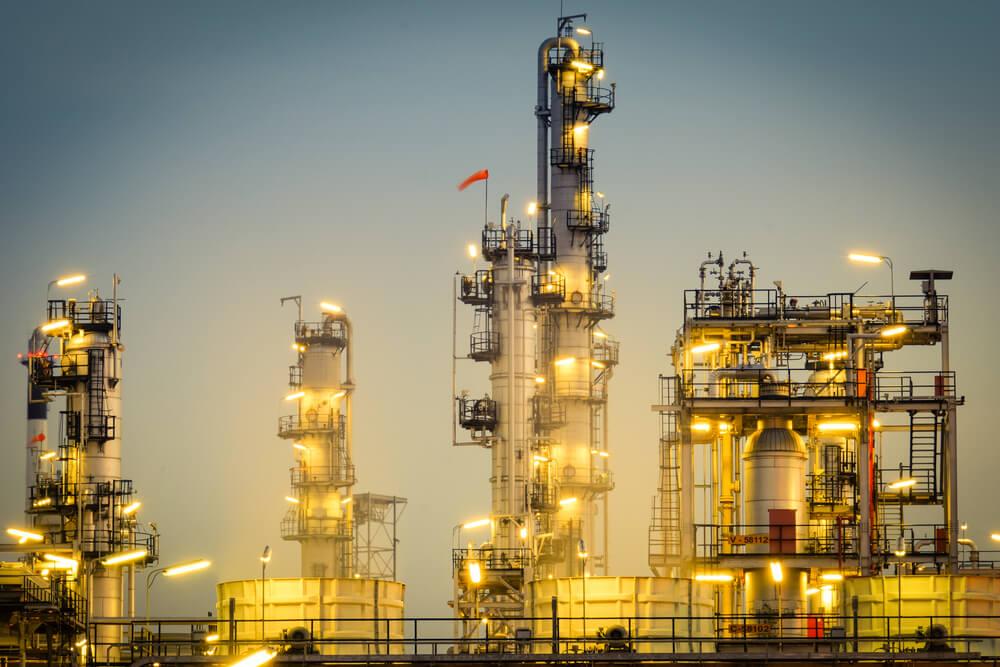 Oil Strengthens, Stocks Weakens After Saudi Supply Shock