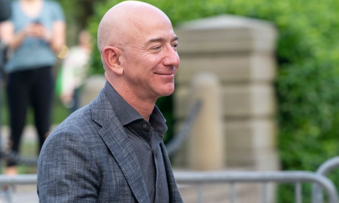 Stocks: Amazon's founder lost the status