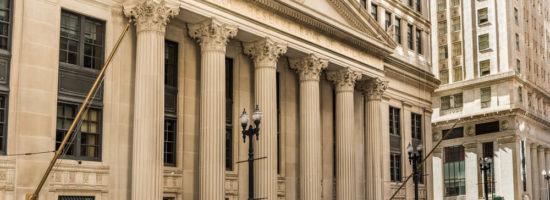 Fed Bank: Federal Reserve Bank building.