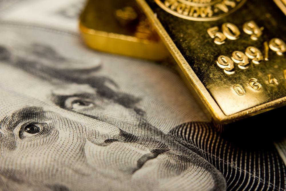 Gold Glitters, Dollar Weakens with Dovish Monetary Policy