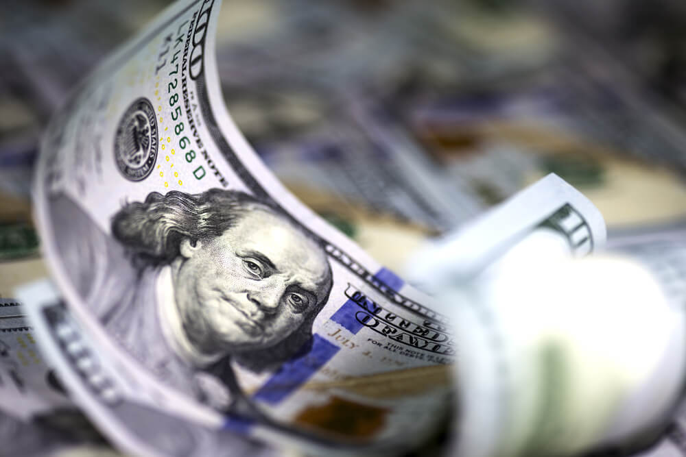 Dollar Gains as U.S. Yields are Up