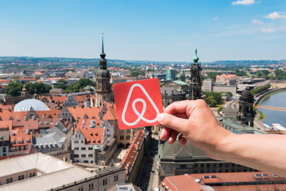Vacation Rental Listings: Airbnb Eyes Massive IPO