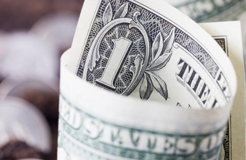 US Dollar Remains Weak Amid 2020's Curtain Down