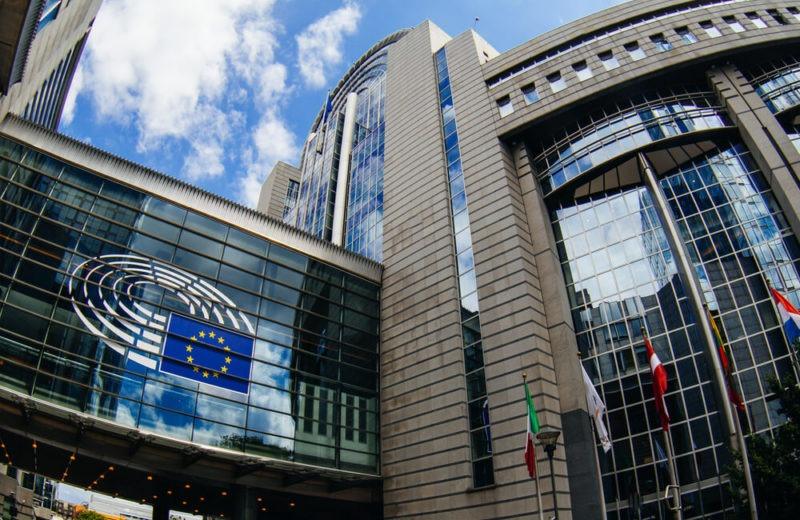 Brexit Deal Prospects Lift GBP, EUR; Oil Consolidates