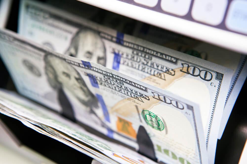 Dollar Edges Ahead of Fed Meeting, Euro Dips