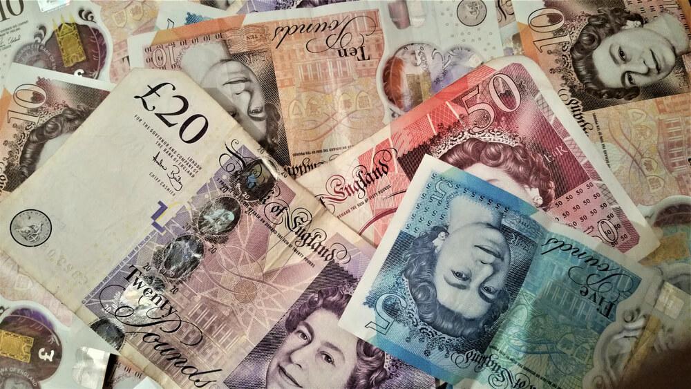 Pound Under Pressure, England Heads for its Third Lockdown