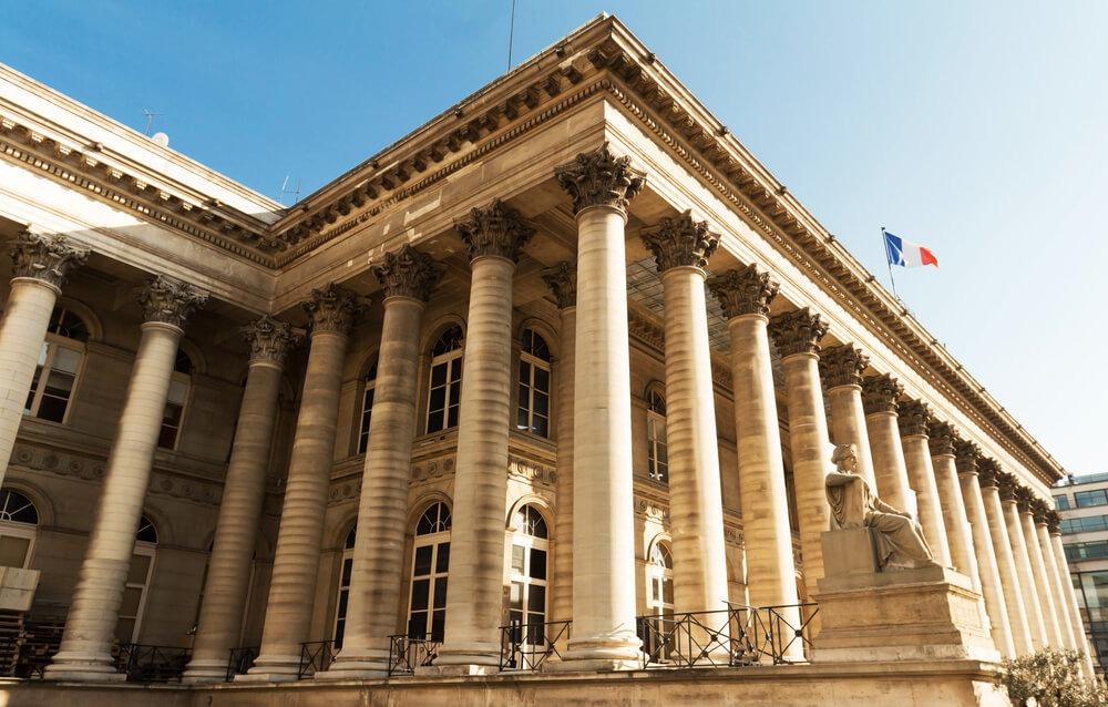 European Bourse Traded Flat, Investors Monitor US Politics