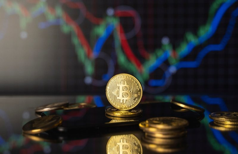 Bitcoin consolidated around $60,000 on Monday