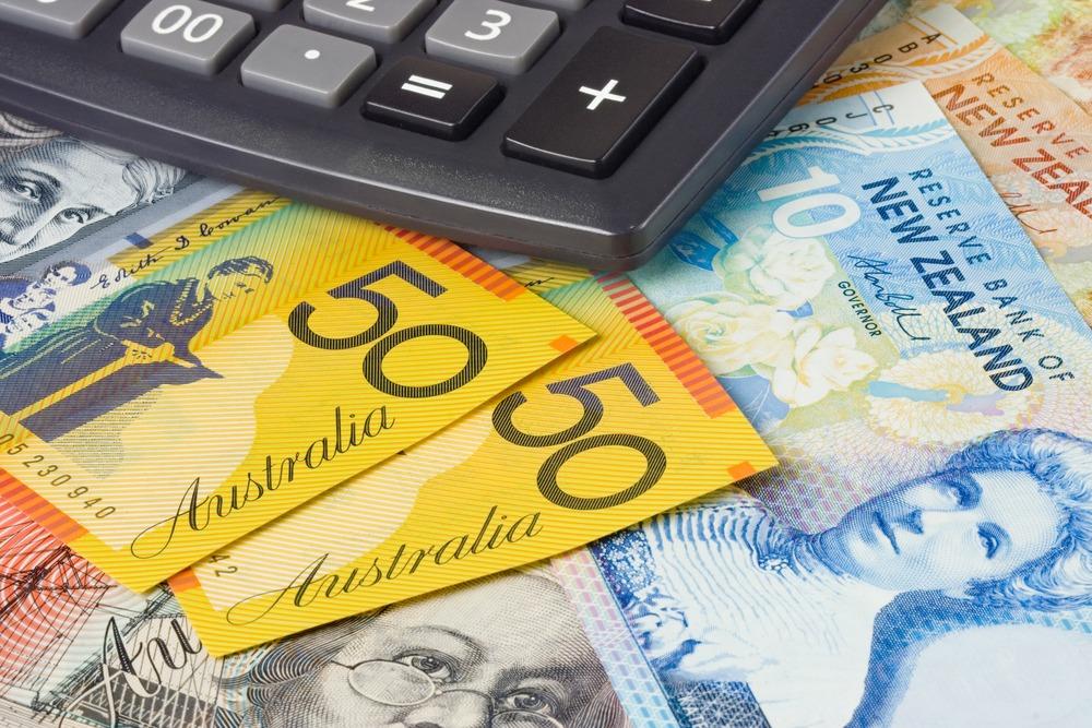 New Zealand, Australian Dollars Show Sharp Declines